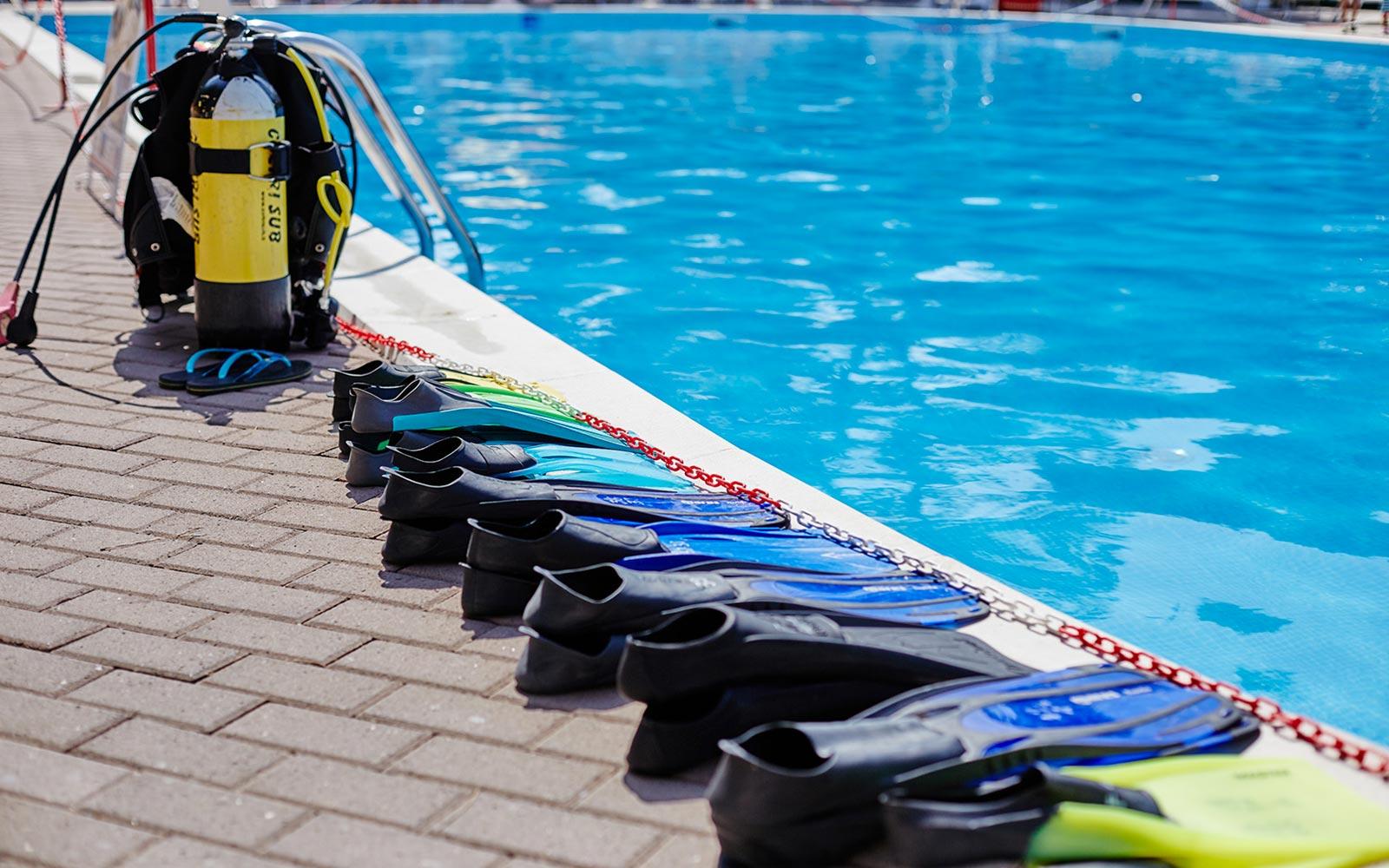 01-Diving-School