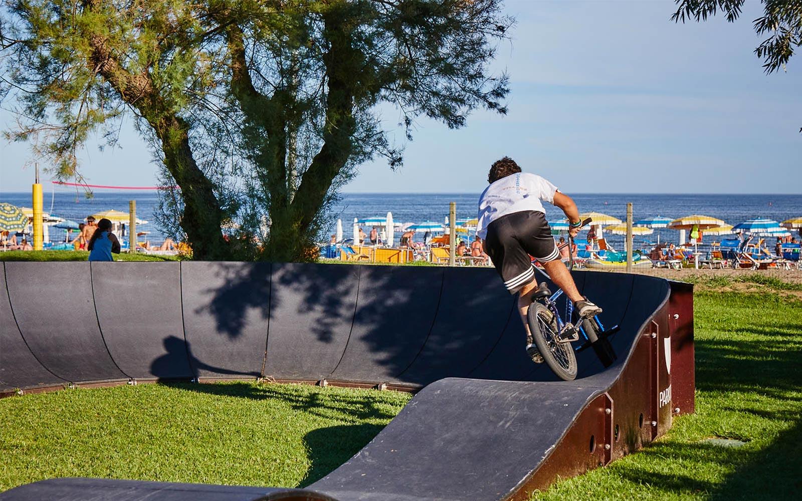 01-Med-Skate-Park