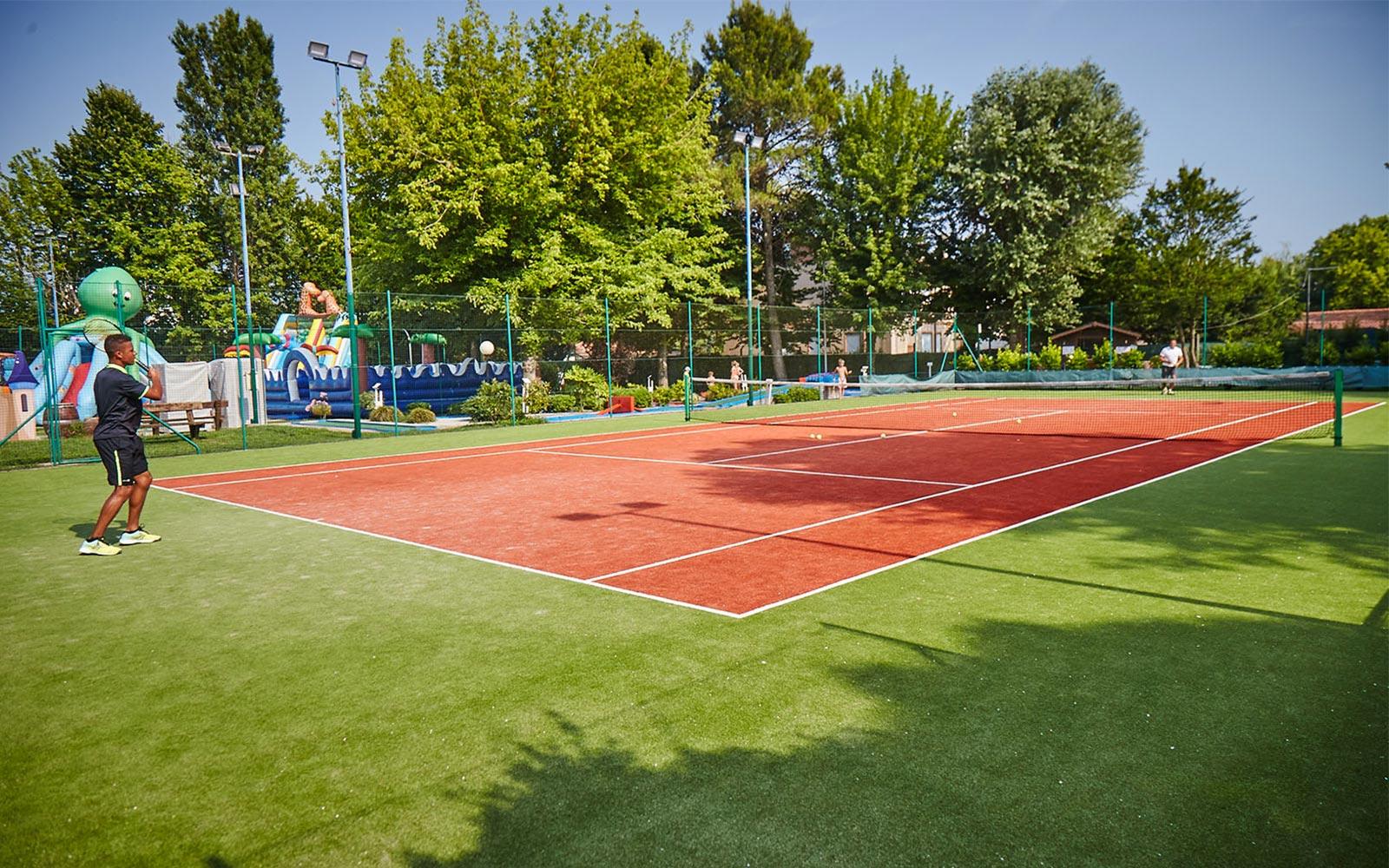 02-Play-Tennis