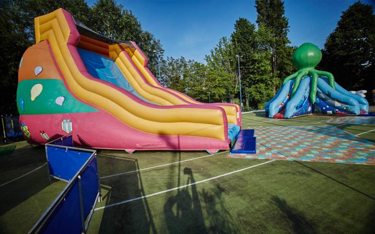 03-inflatable-games