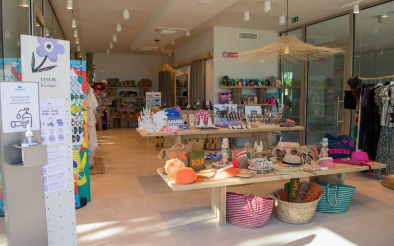 07-Linum_Boutique_Moda-Mare_CampingMediterraneo_entrata