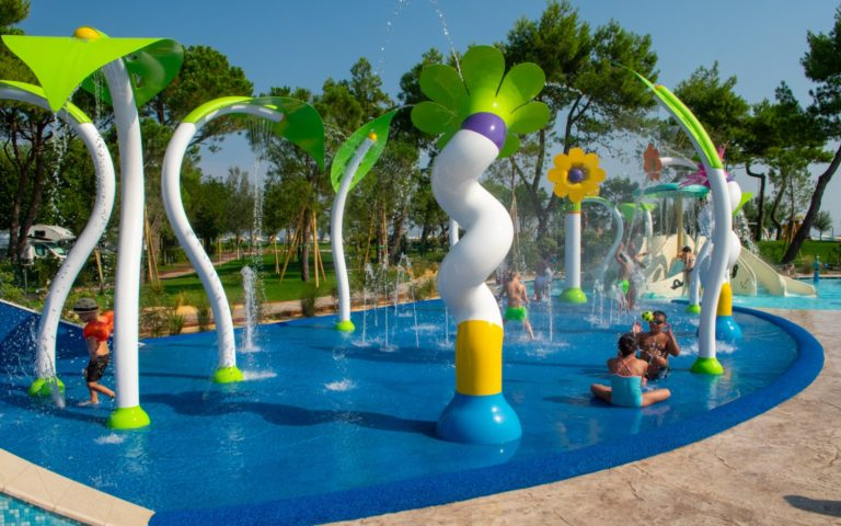 Spray-park-children-area