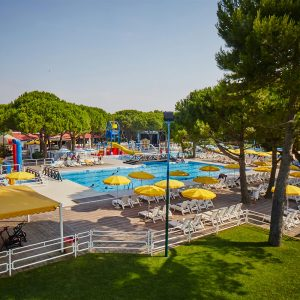 01-Piscine-Camping-Mediterraneo