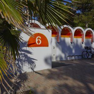 02-Sanitaeranlage-Camping-Mediterraneo