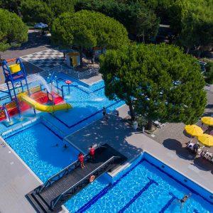 03-Campingplatz-mit-Schwimmbaeder