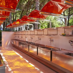 03-Toilet-facilities-Camping-Mediterraneo
