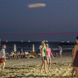 06-Beach-Night-Volley