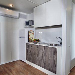 07-Chalet-Laguna-Mini-Kitchen