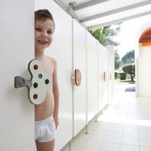 08-Children-bathroom-Mediterraneo