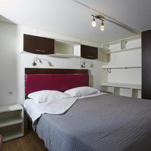 08-Maxi-Sole-Bedroom