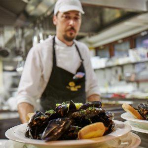 08-Seafood-Restaurant