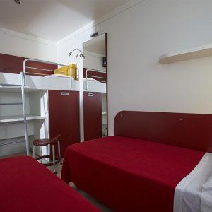 10-Maxi-Med-Family-Bedroom