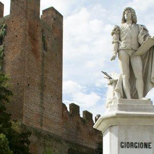 11-Castelfranco-Statua-Giorgione