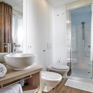 12-Chalet-Pineta-Bathroom