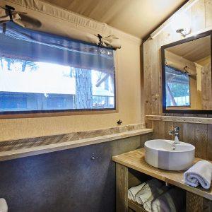 12-Comfort-Tent-Badezimmer