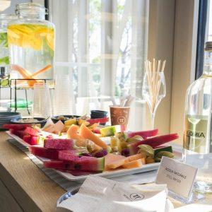 Fruit-hot-tea-water-wellness-Mediterraneo